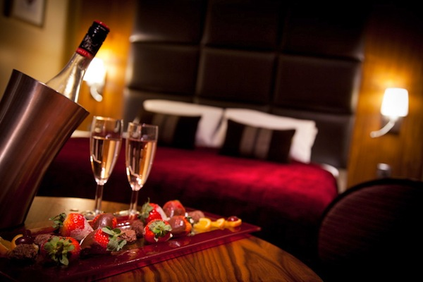 Turn up the heat presenting jackson s hottest valentine s for Valentines day ideas for hotels