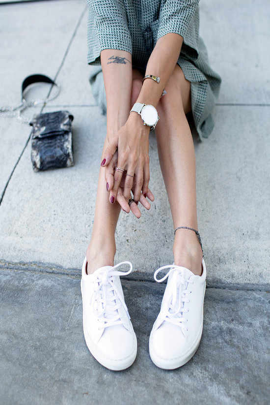 rsz_white_sneakers