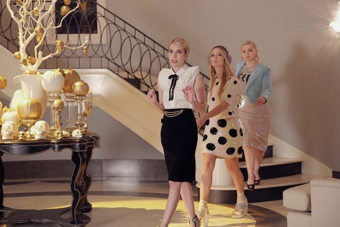"""SCREAM QUEENS: L-R: Emma Roberts, Billie Lourd and Abigail Breslin in the """"Seven Minutes In Hell"""" episode of SCREAM QUEENS airing Tuesday, Oct. 20 (9:00-10:00 PM ET/PT) on FOX. ©2015 Fox Broadcasting Co. Cr: Patti Perret/FOX."""