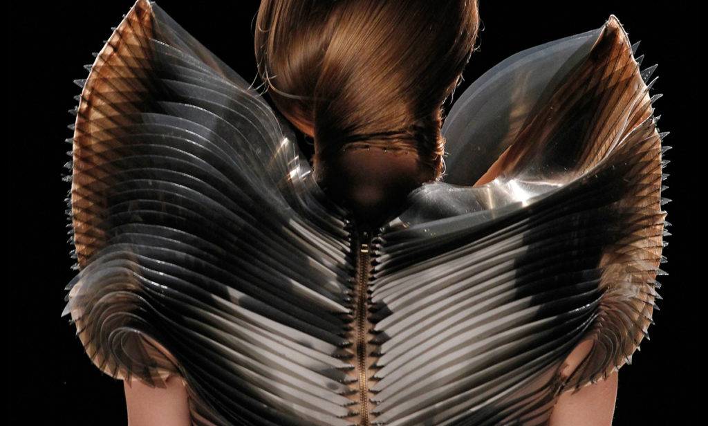 Arch2o-Women-in-Fashion-Iris-Van-Herpen-15