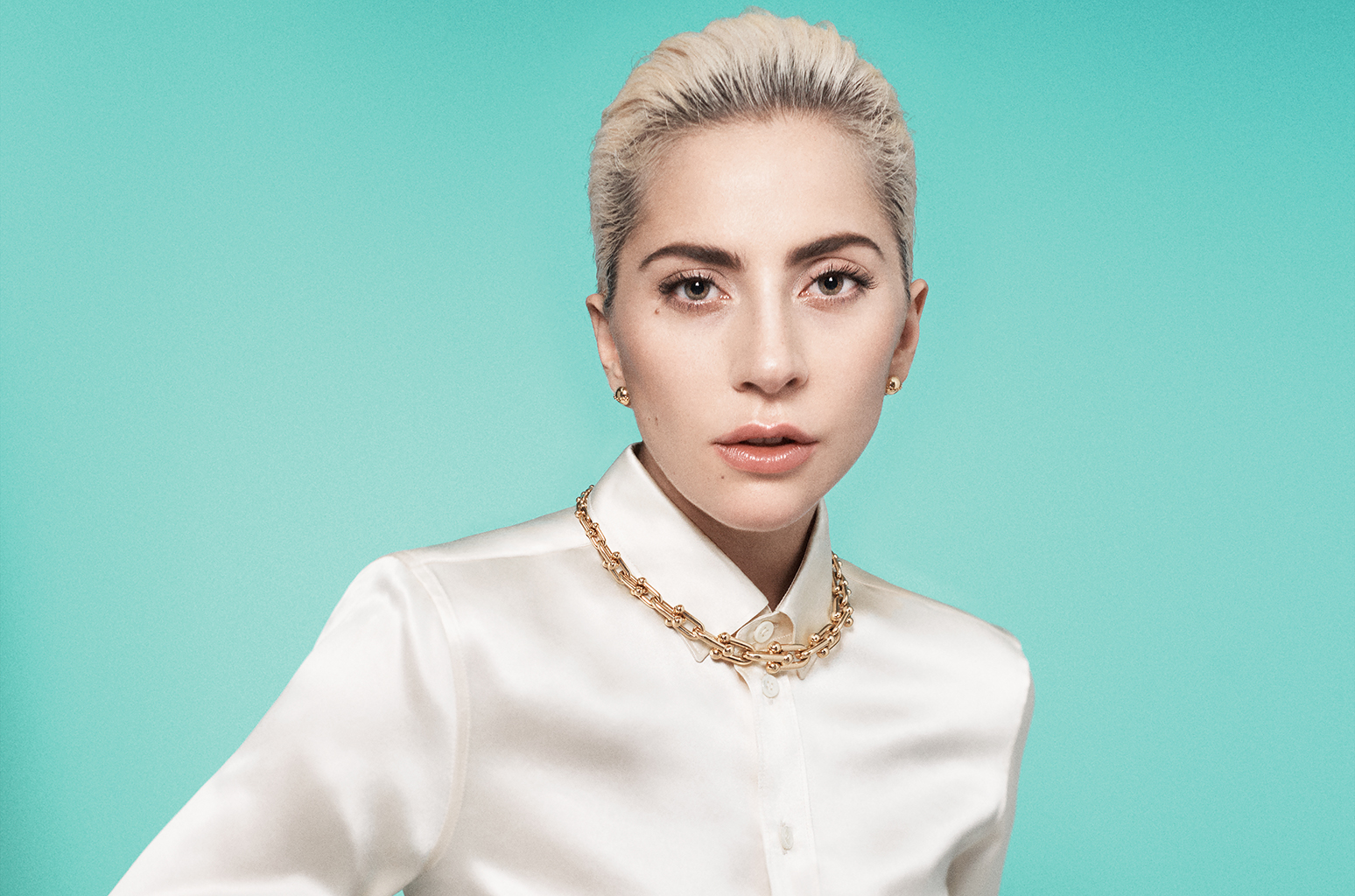 lady-gaga-tiffanys-billboard-1548