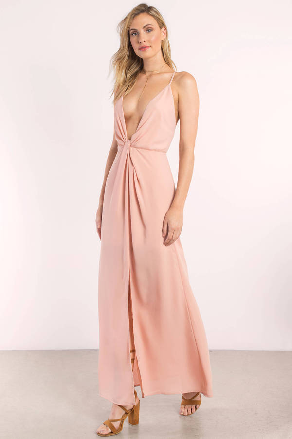 rose-eyes-on-you-knotted-maxi-dress