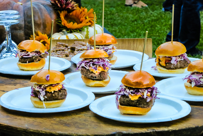 resized diffa-burgers-and-burgundy-dallas-2013-33-2
